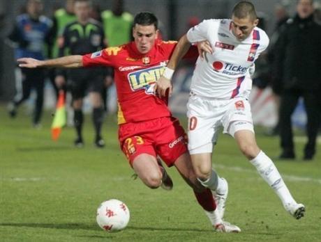 Calvé à la lutte avec Benzema sous ses couleurs mancelles