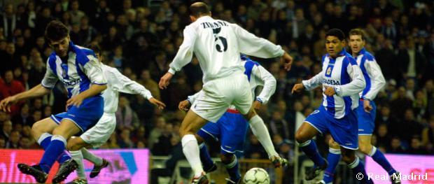 Zinedine Zidane et son but de gala contre le Deportivo La Corogne