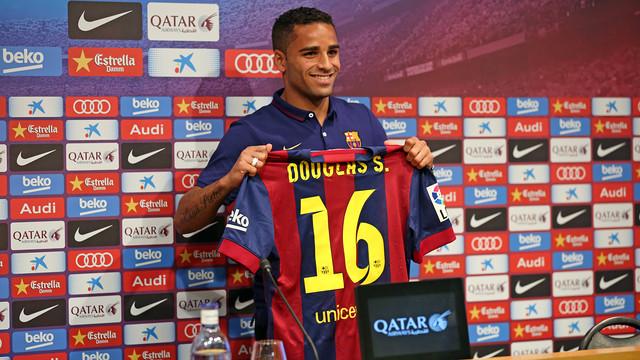 Douglas devrait quitter Barcelone !