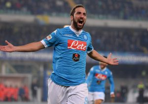 Napoli's Gonzalo Higuain exults after scoring the goal of 0-1 during the italian serie A soccer match AC Chievo Verona ? SSC Napoli at Bentegodi stadium in Verona, 25 October 2015. ANSA / GIUSEPPE ZANARDELLI