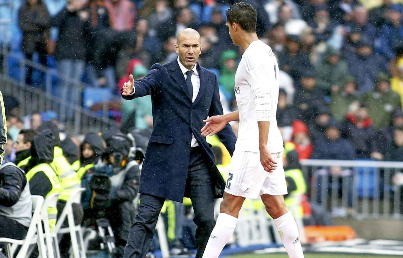 Real Madrid : Zidane a pris position pour Varane