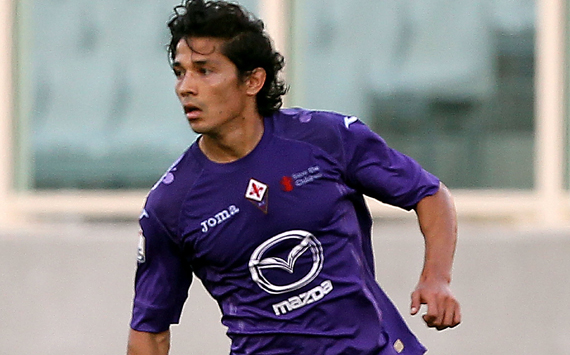FLORENCE, ITALY - AUGUST 18: Fernandez Mati of ACF Fiorentina in action during the pre-season friendly match between AC Fiorentina and Novara Calcio at Artemio Franchi on August 18, 2012 in Florence, Italy. (Photo by Gabriele Maltinti/Getty Images)