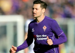 FLORENCE, ITALY - JANUARY 24: Mauro Zarate of ACF Fiorentina in action during the Serie A match between ACF Fiorentina and Torino FC at Stadio Artemio Franchi on January 24, 2016 in Florence, Italy.  (Photo by Gabriele Maltinti/Getty Images)
