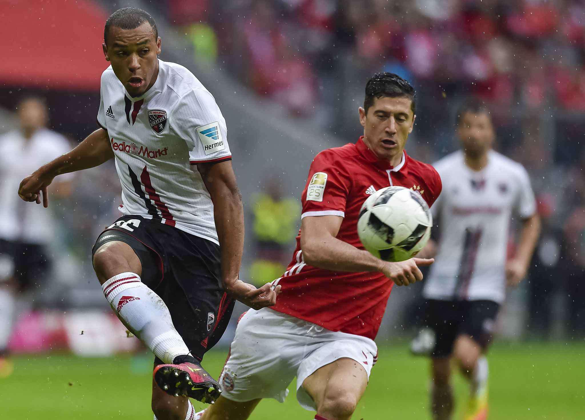 Et si Tisserand ne revenait pas à Wolfsburg ?