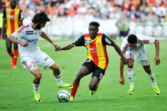 RC Lens: Sikora se lamente de la perte de son nouveau capitaine