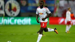 Le Milan AC se penche sur un jeune défenseur français