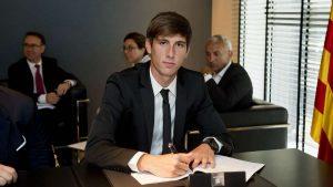 FC Barcelone : Miranda dans le viseur du Betis Seville