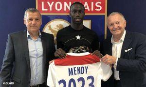 Le FC Barcelone prêt à s'activer pour Mendy ?