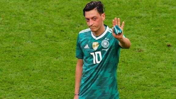 Chassé croisé Ozil-Bailly ?