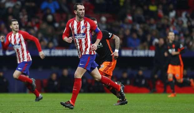 Atletico Madrid : Un cador de la Premier League se penche sur Godin
