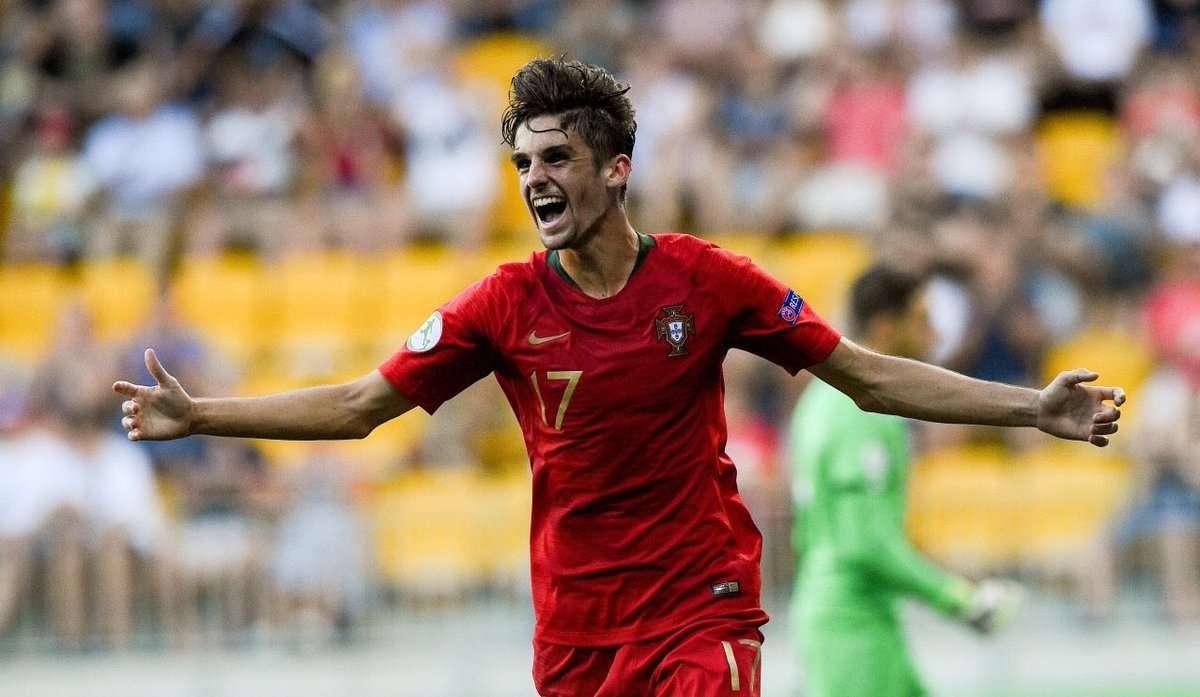 La Juventus et l'Inter Milan ciblent un jeune talent portugais