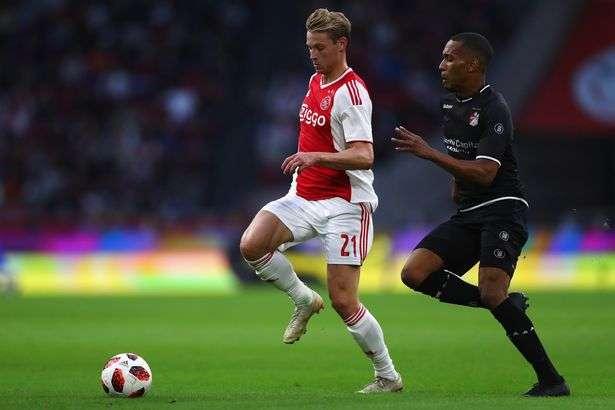 Le PSG entre en piste pour De Jong