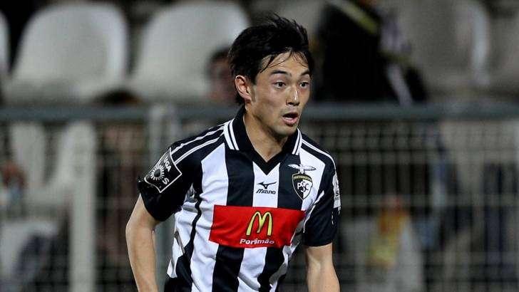 Le PSG vise un attaquant Japonais
