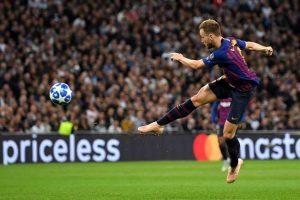 FC Barcelone : une formation anglaise se penche sur Rakitic