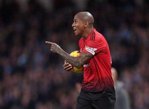 Manchester United : Le dossier Young en bonne voie