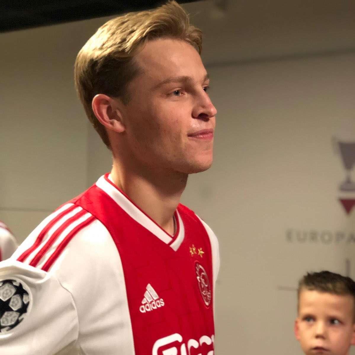 """Frenkie de Jong """"n'a pas pris de décision"""""""