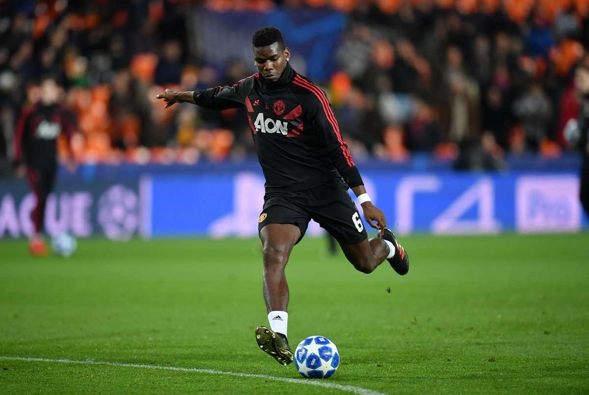 Manchester United : bientôt des discussions concernant l'avenir de Pogba ?