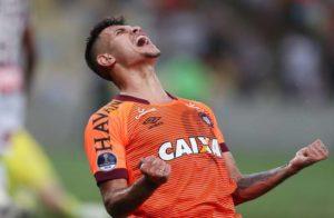 Arsenal se penche sur un milieu brésilien