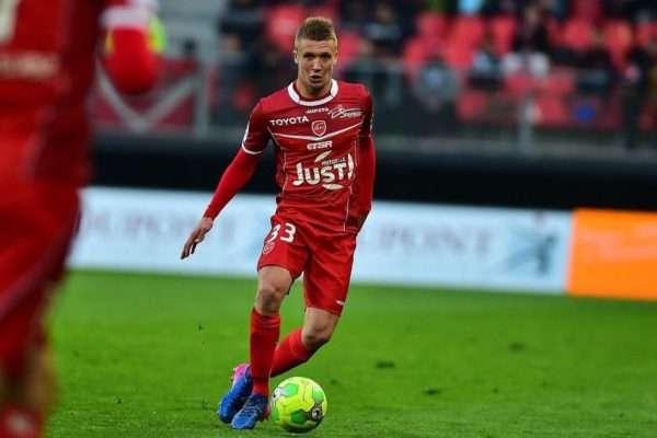 Le RC Strasbourg vise deux joueurs de Ligue 2