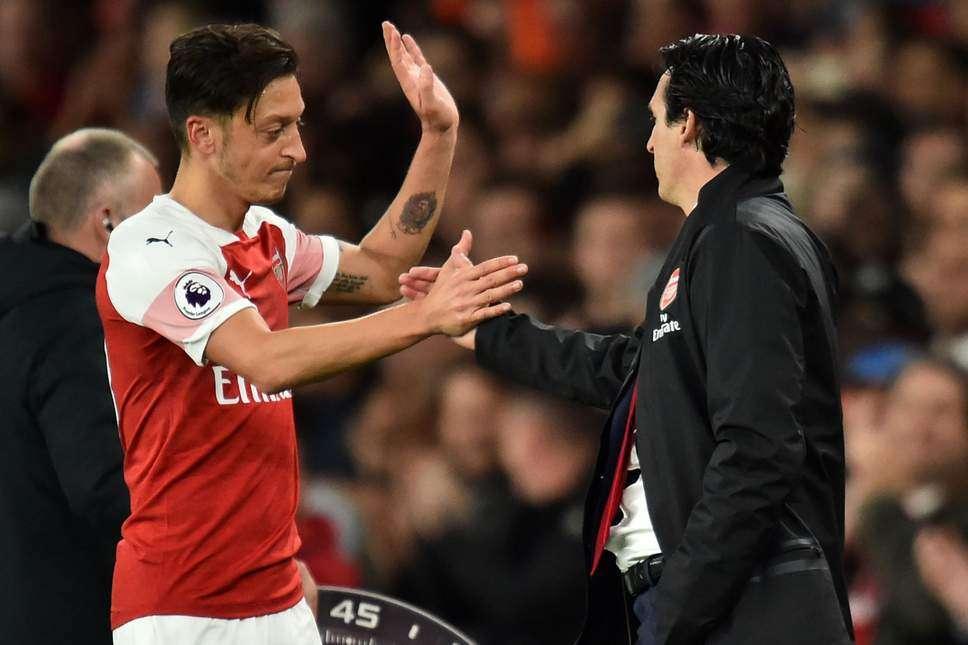 Arsenal : une piste en moins pour Mesüt Özil