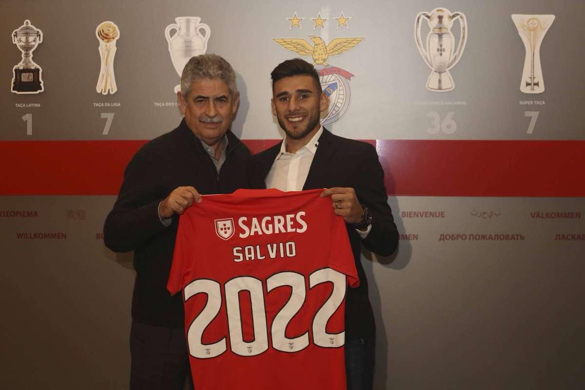 Officiel : Salvio prolonge au Benfica