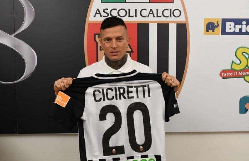 Naples rappelle Ciciretti et le prête à nouveau