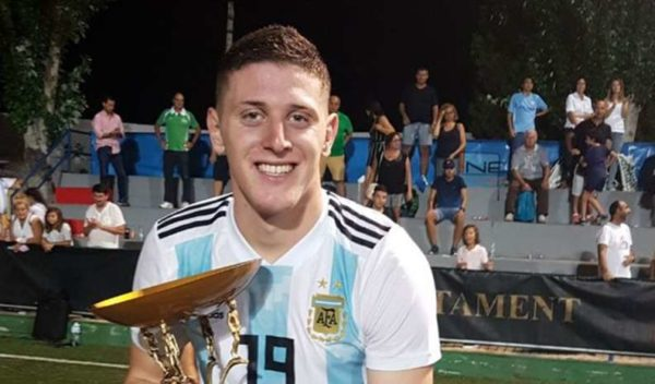 AC Milan : un jeune buteur argentin dans le viseur