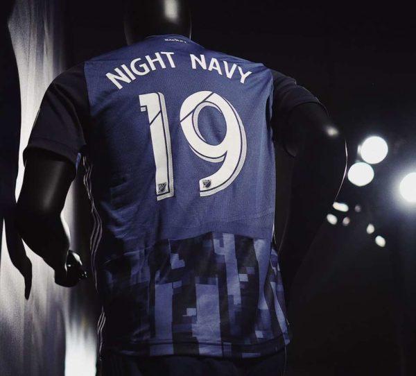 "L.A Galaxy : le maillot ""Night Navy"" dévoilé"