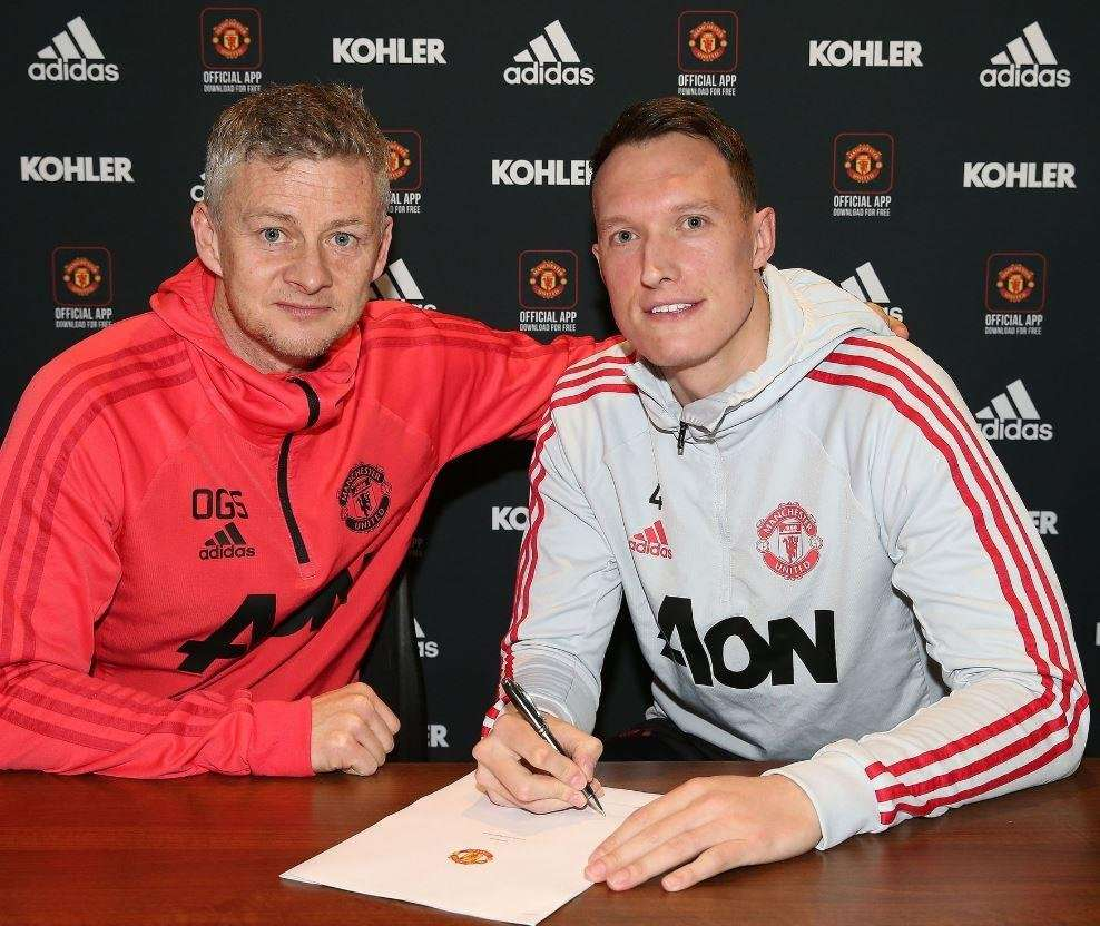 Officiel : Phil Jones prolonge à Manchester United
