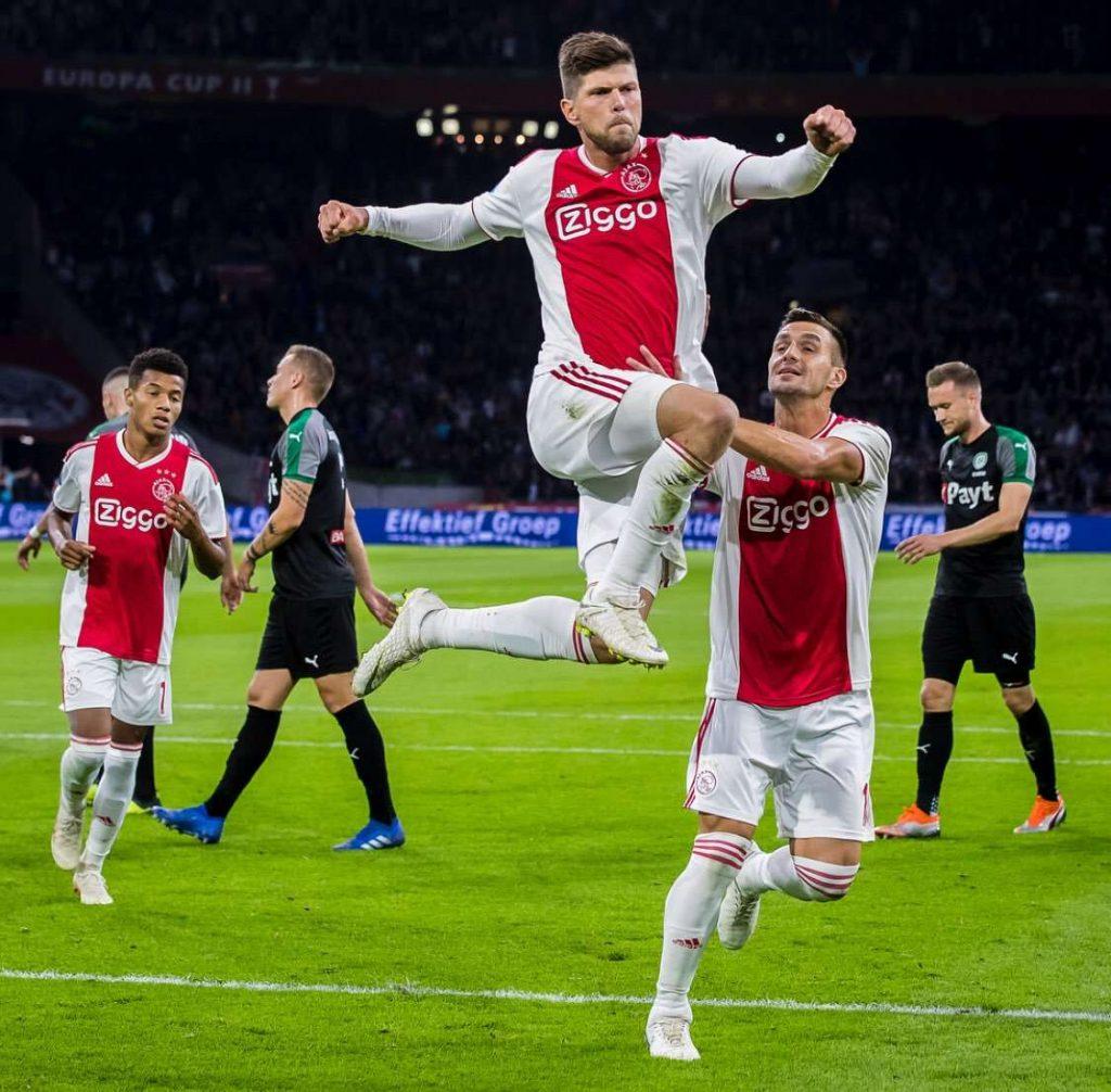 Officiel : Huntelaar et Mazraoui prolongent à l'Ajax