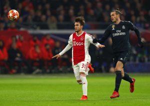 Tottenham : une première offre pour Tagliafico ?
