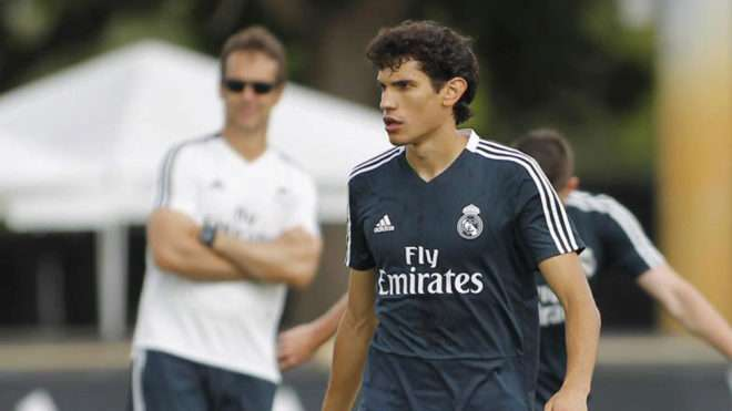 Real Madrid : un défenseur placé sur la liste des transferts