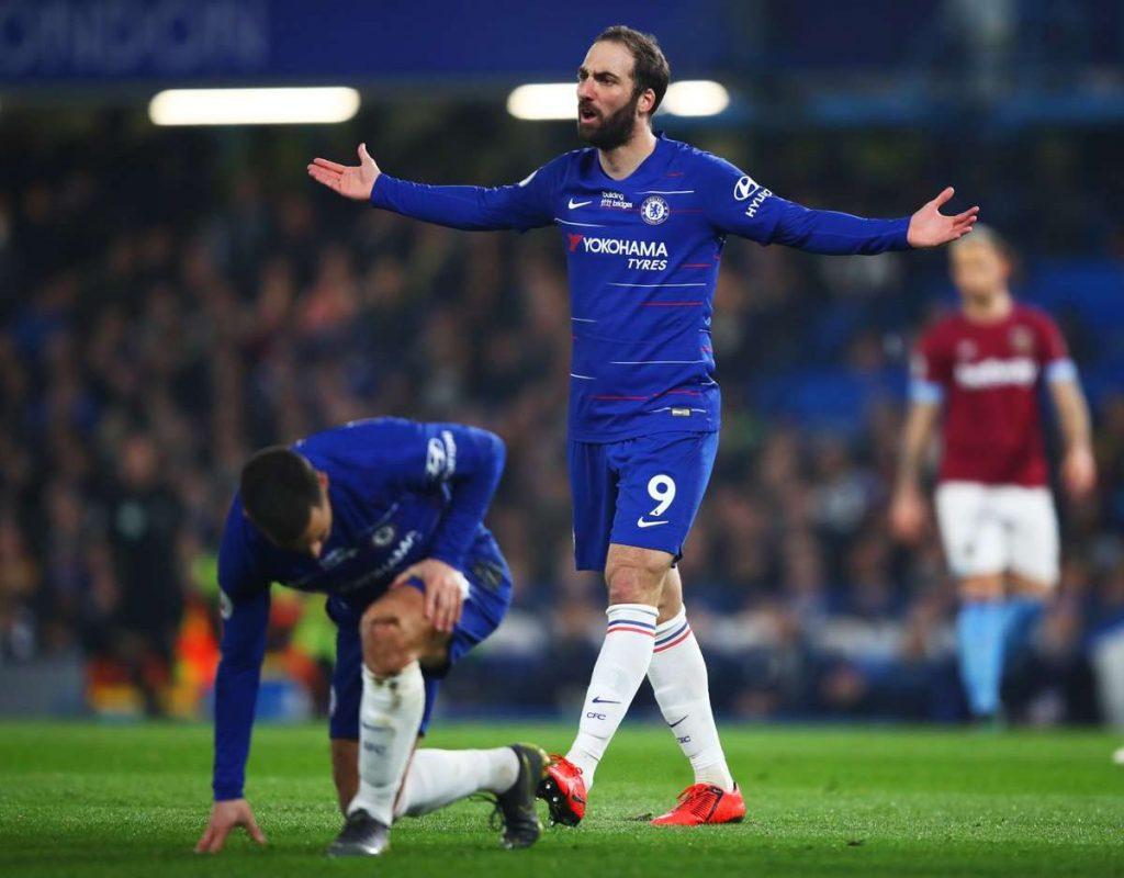Chelsea : Higuain ne veut pas quitter les Blues