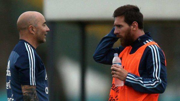 Sampaoli défend Messi et critique la mentalité argentine