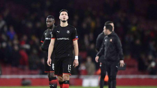 Stade Rennais : Bensebaini intéresserait deux clubs étrangers