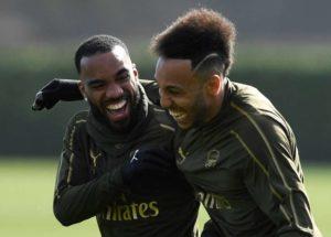 Arsenal veut prolonger sa doublette offensive