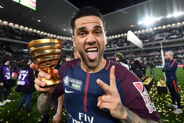 Deux clubs anglais sur Alves