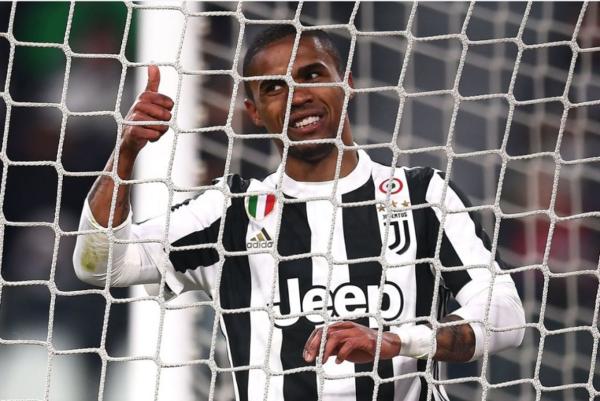 Juventus : Douglas Costa intéresse un cador anglais