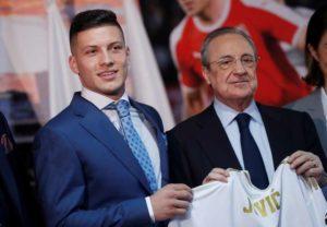 PSG : ça négocierait pour Luka Jovic