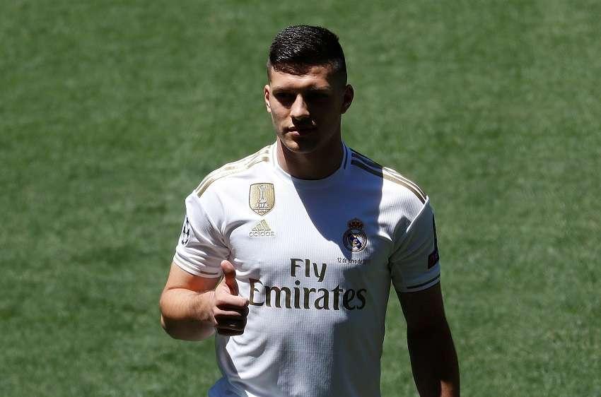 Real Madrid : la présentation de Luka Jovic