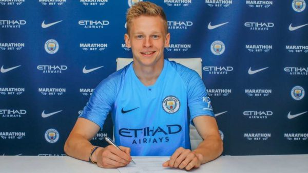 Officiel : Zinchenko prolonge son aventure à Manchester City