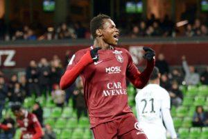 Chelsea et Tottenham surveillent un attaquant du FC Metz