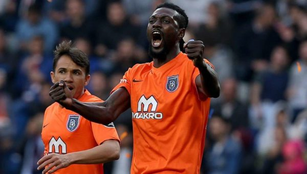 Officiel : Emmanuel Adebayor rejoint le Club Olimpia