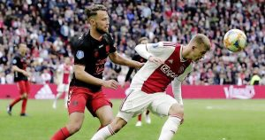 Ajax : Daley Sinkgraven file en Bundesliga