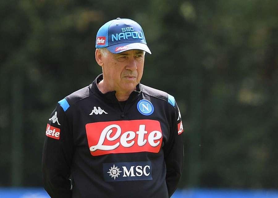 Naples perd patience avec Ancelotti