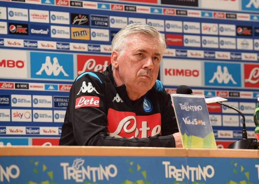 Naples : Carlo Ancelotti sur le départ ?