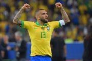 Ça Buzz : Dani Alves pourrait encore être transféré
