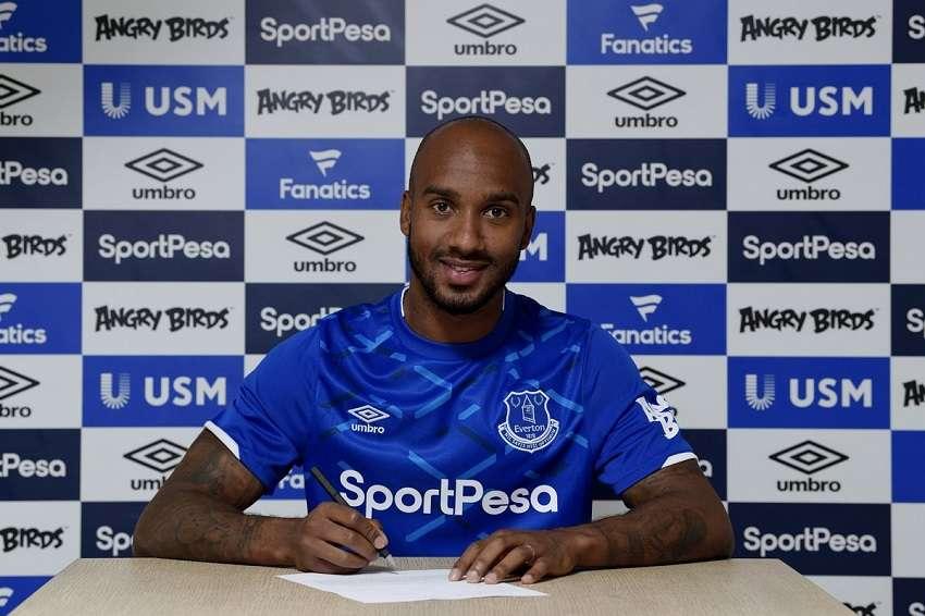 Officiel : Fabian Delph signe à Everton