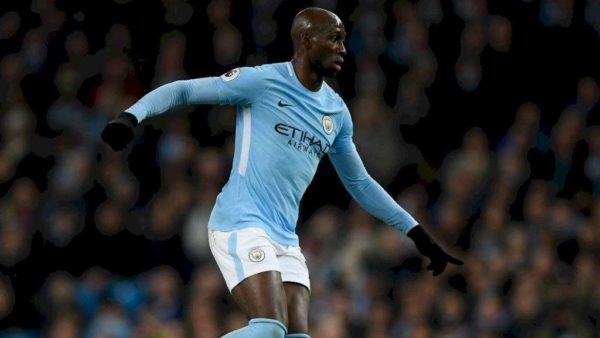 Man City montre la porte à Mangala