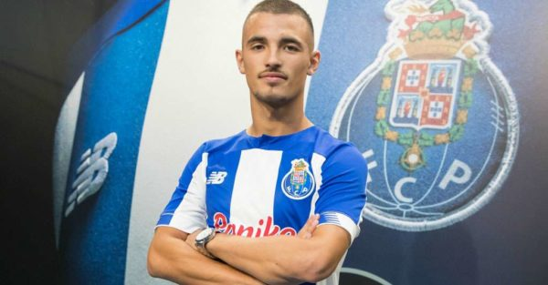 Officiel : le FC Porto prolonge une pépite